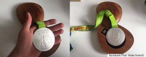 폴란드 육상 은메달리스트가 자신의 리우 올림픽 메달을 경매에