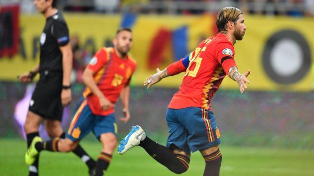 amplia selección disfruta de precio barato hermosa en color España gana 1-2 a Rumanía y acaricia su clasificación para ...