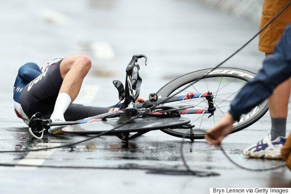 43세 사이클 선수는 금메달을 딴 후, 아들을