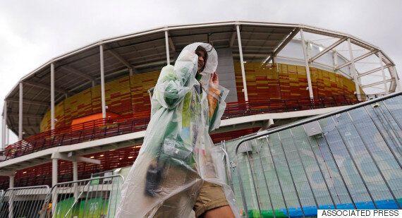 리우 올림픽의 자원봉사자들이 사라지고 있다. 가장 큰 이유는