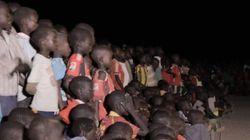 최초의 난민 올림픽팀을 응원하는 난민촌의