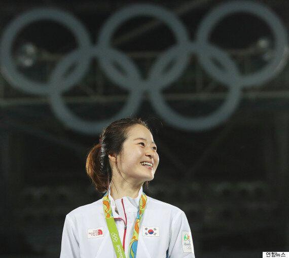 태권도 오혜리가 세 번째 도전 만에 처음 출전한 올림픽에서 금메달을 땄다
