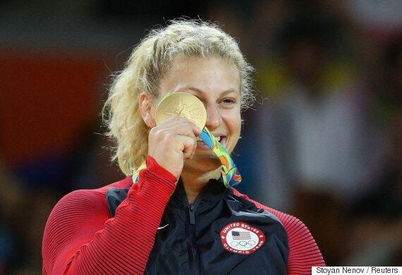 이 여성은 금메달을 따고 '성폭력 여성을 도울 수 있어 기쁘다'고