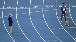 여자 400m 계주 예선에서 미국이 혼자 뛴