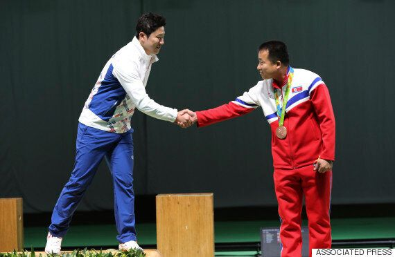 사격 동메달 획득한 북한 김성국은 '하나의 조선'을