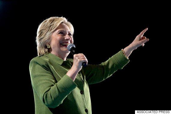 도널드 트럼프가 여론조사에서 힐러리 클린턴을