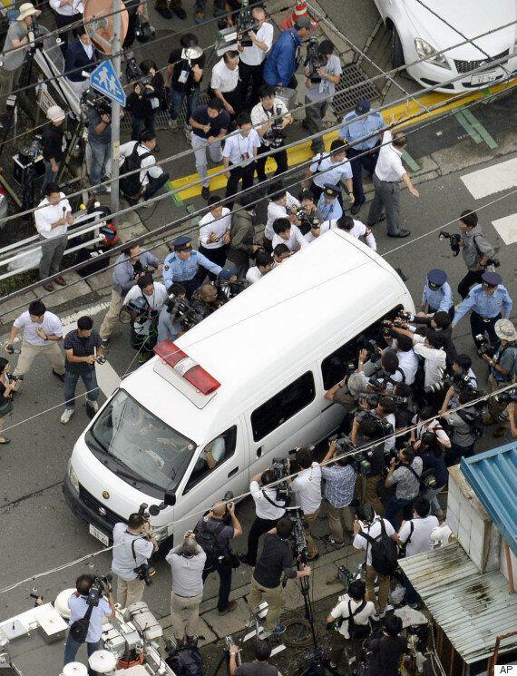 일본 장애인 시설 살인범은 호송차량에서 웃으며 유족에 이런 말을