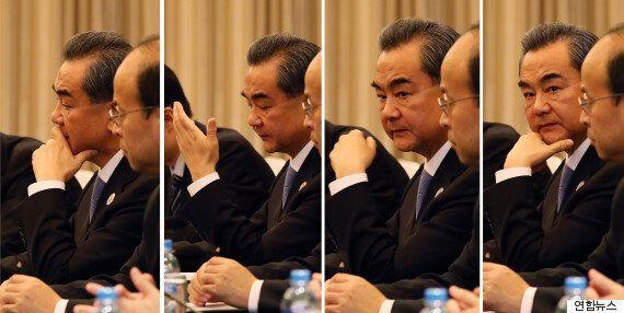 중국 외교부장이 한국의 '사드 배치'에 강하게 유감을