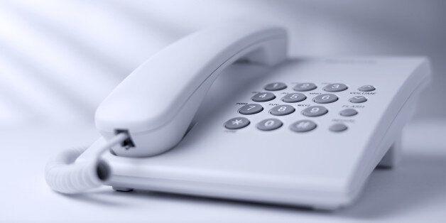 '데이트 폭력 피해자'는 여기에 전화하면 바로 도움받을 수