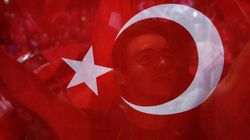 터키의 끔찍한 '숙청'이 계속되고