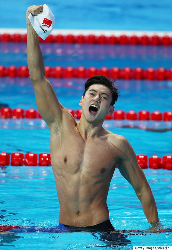 엄청나게 섹시한 이 중국 수영 선수에 전 세계 네티즌들이 푹