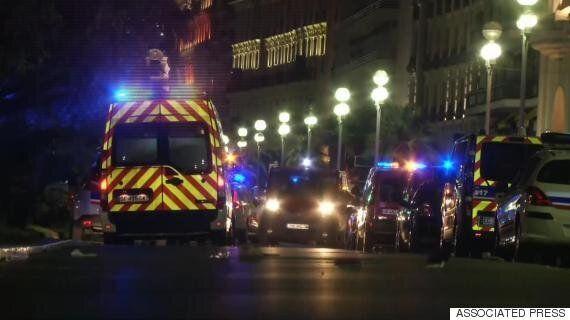 프랑스 니스 해변에 트럭 돌진해 최소 73명 사망·100여명 부상 (사진,