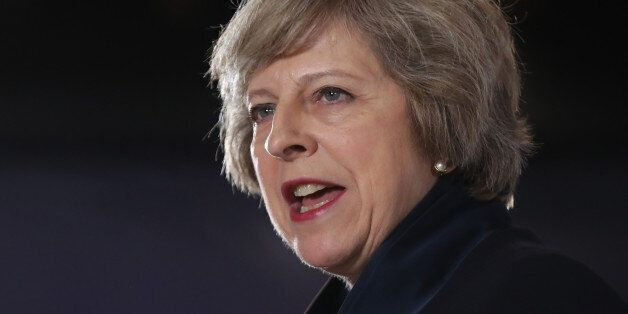 영국 총리에 공식 취임한 테리사 메이의 한