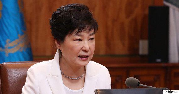 국내외의 숱한 반대에도 박 대통령의 '사드'를 향한 사랑은