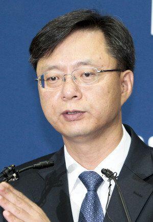 '진경준 게이트' 연루 의혹을 받고 있는 청와대 '실세' 우병우 수석은 이런