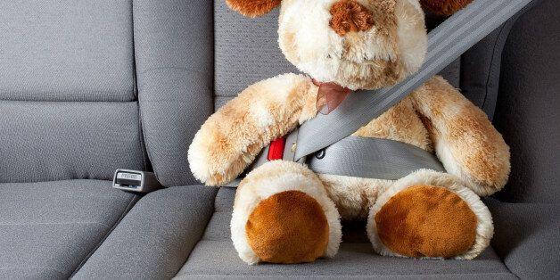 앞으로는 뒷좌석도 항상 안전띠를 매야