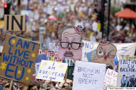 412만명이 서명한 '브렉시트 재투표' 청원을 영국 정부가