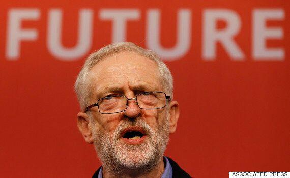 영국 노동당 제러미 코빈, 쫓겨날 위기를 일단
