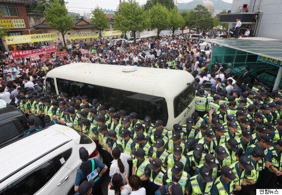 성주군민과 총리가 탄 버스는 4시간 넘게 대치