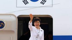 이 와중에 박근혜 대통령은 몽골로