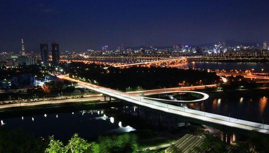 서울의 아름다운 야경을 볼 수 있는 공원