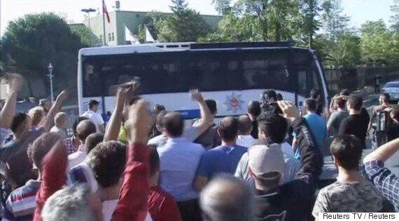 터키 군부 '6시간 쿠데타'로 90여 명