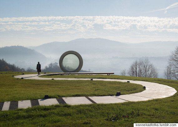 크로아티아에는 세계에서 가장 큰 카메라 렌즈가
