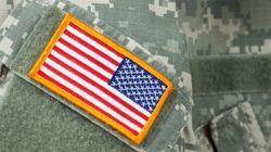 미 육군은 전투복 소매를 어떻게 걷을까 고민