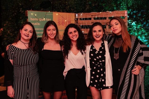 As amigas Manoela Haase, Betina Ayone, Patrícia Richter, Fernanda Sanchis e Ana Maria