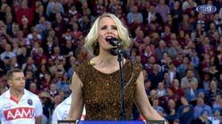 '시리'가 5만 관중 앞에서 노래를
