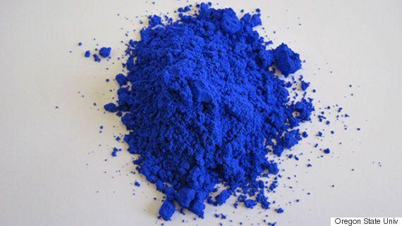새로운 파란색을 과학자들이 우연히