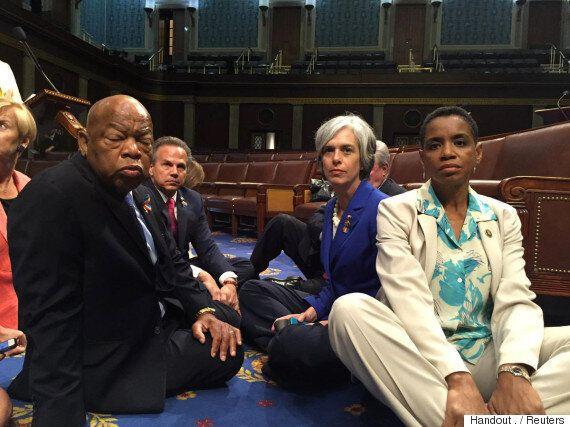미국 민주당 하원의원들, 총기규제 촉구하며 '무기한 연좌농성'에