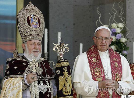 아르메니아를 방문한 교황의 '인종학살' 발언에 터키가