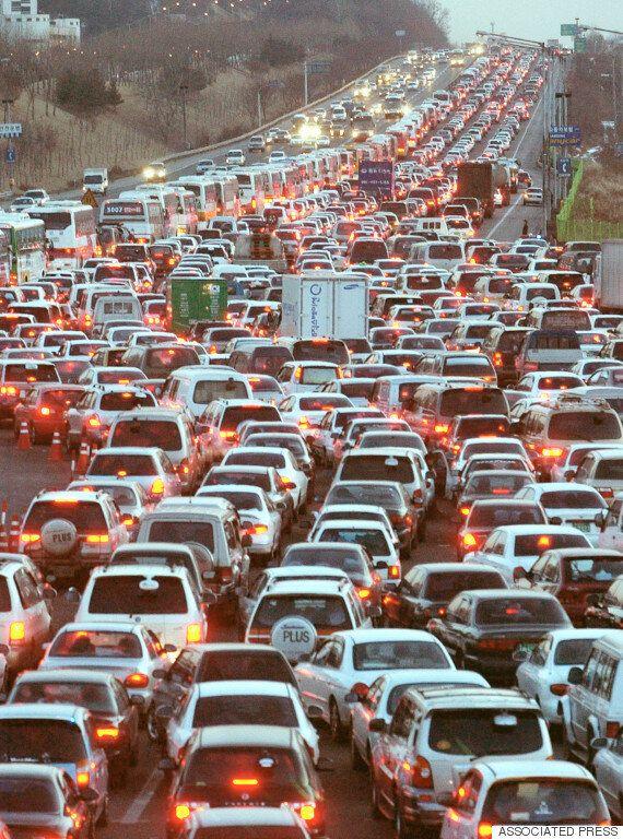 휴가 피크 기간 최악으로 막히는 고속도로