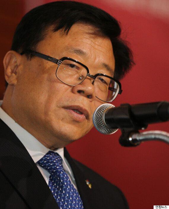 정부가 '김영란법'으로 경제손실이 11조원이라며 '뇌물' 상한선 인상을 검토하고