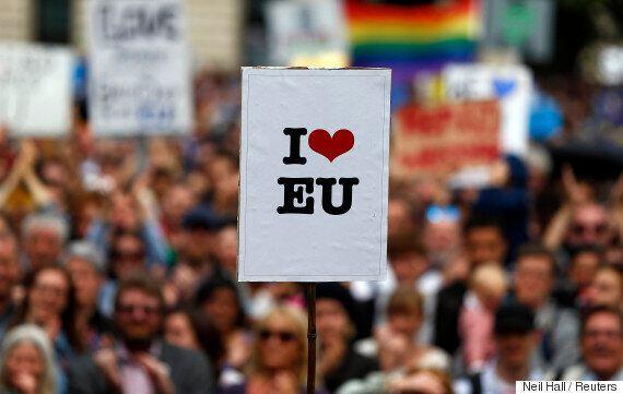 영국에 거주하는 EU시민들이 거대한 혼란에 빠졌다. 누구도 답을