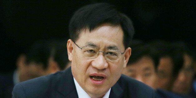 홍기택 AIIB 부총재가 취임 4개월 만에 '쫓겨난'