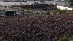 유로2016 국대팀을 반기는 아이슬란드인들의