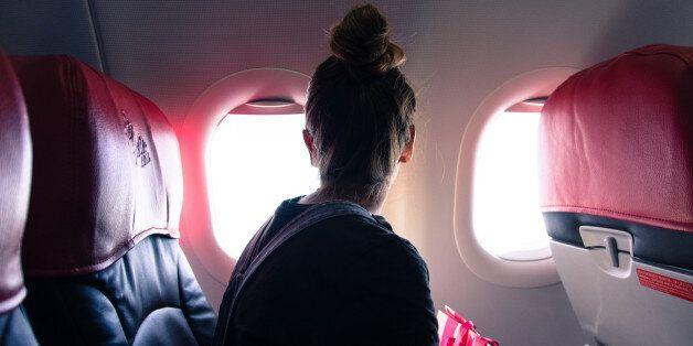 비행기 창가 자리를 택해야 하는 10가지