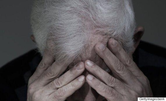 숨진 아내 곁에서 겨우 숨만 쉬던 70대 노인이