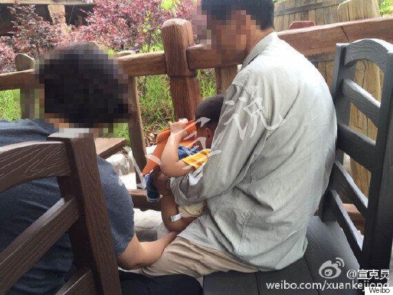 상하이 디즈니랜드가 관광객들의 행동에 골머리를 앓고 있다