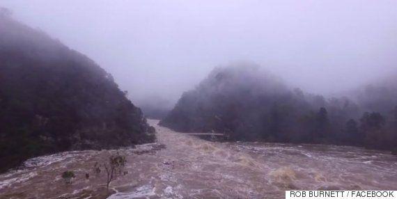 호주 태즈메이니아에 발생한 홍수의 위력을 드론으로