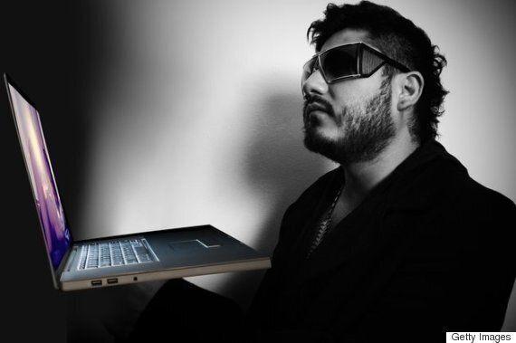 시각장애인의 편리를 고려한 포르노 사이트 '포른허브'의 새로운