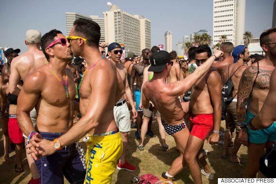 이스라엘 텔아비브의 성소수자 축제에 20만 명이
