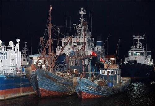 참다못한 어민들이 '중국 어선'을