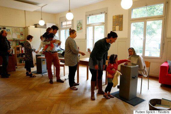 스위스 '월 300만원 기본소득 보장' 국민투표서