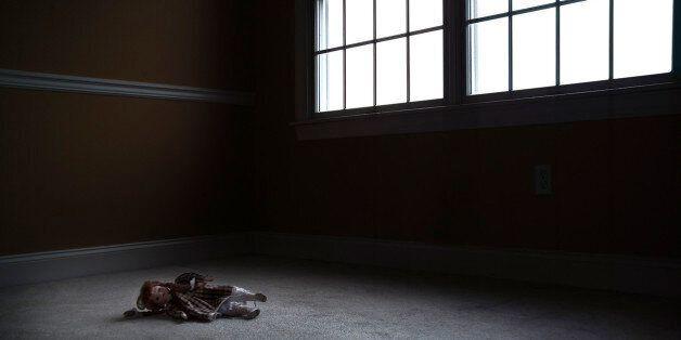 여중생인 친구 딸을 2년간 성폭행 한 30대 남자
