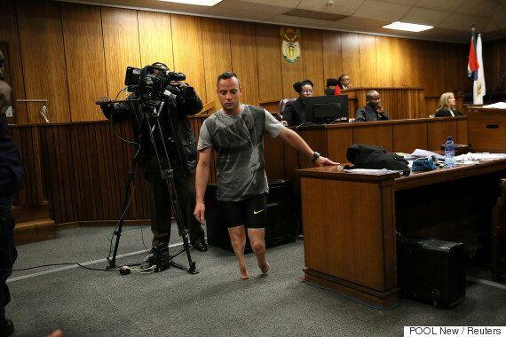 '의족 스프린터' 오스카 피스토리우스가 법정에서 의족을