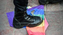 이스탄불 경찰이 LGBT 퍼레이드를
