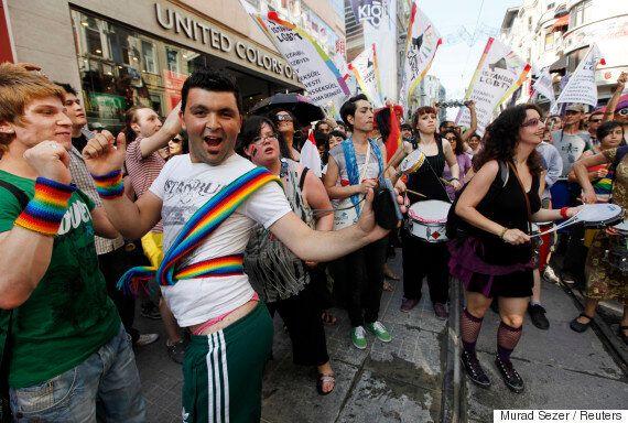 터키 정부가 이스탄불 게이 프라이드를 '안전 우려'로